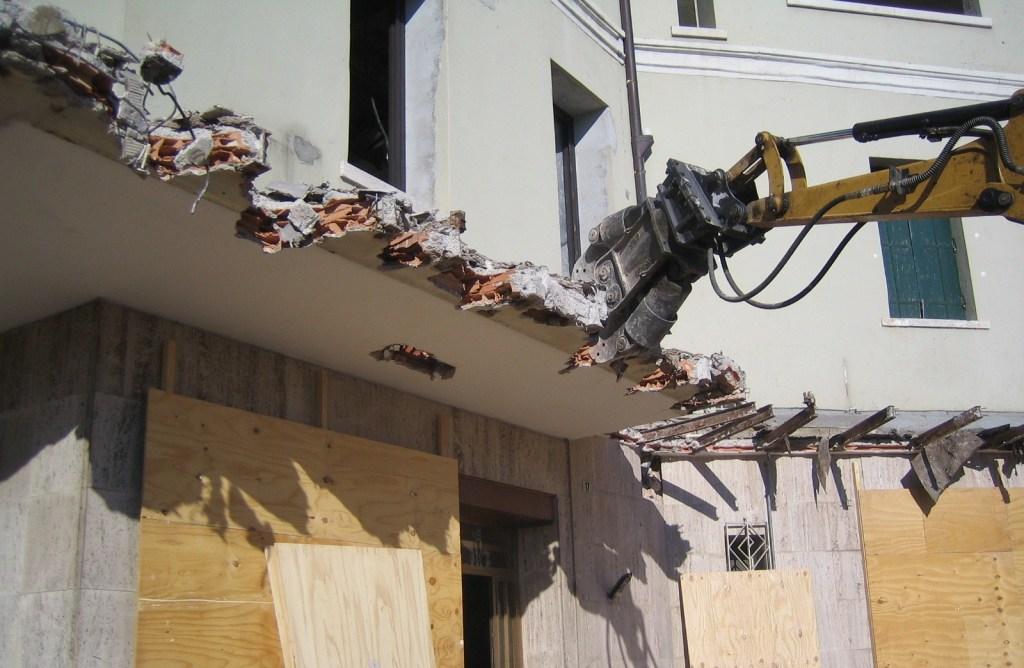 Demolizioni edili Costruzioni Zanella Montebelluna