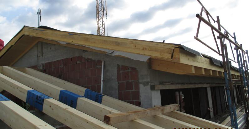 Montaggio tetto in legno nuova costruzione civile zanella impresa edile montebelluna treviso