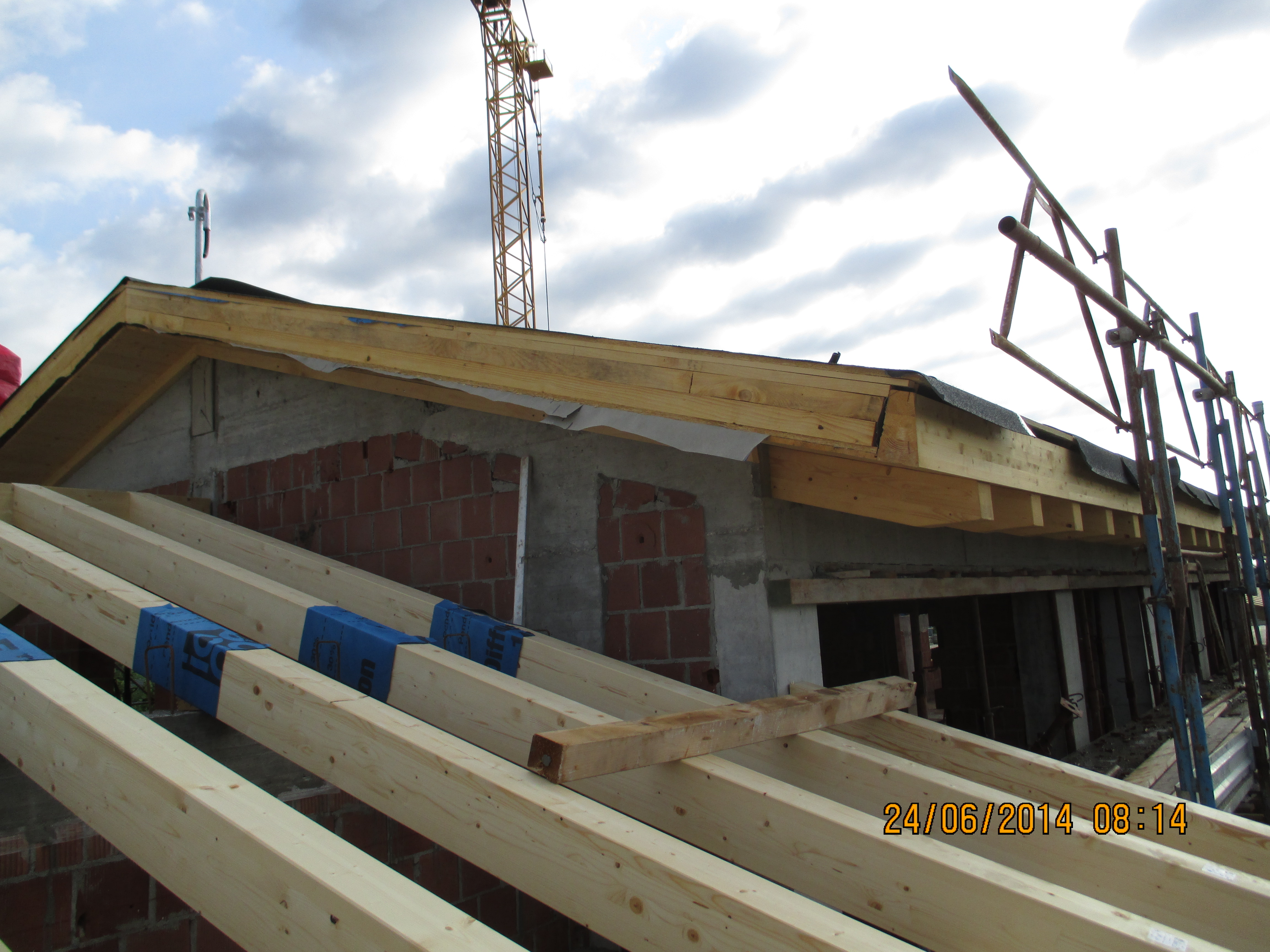Costruzione tetto in legno for Montaggio tetto in legno ventilato