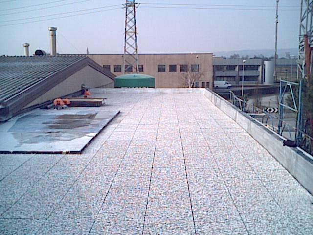Costruzioni edili industriali impresa edile zanella snc for Capannone tetto spiovente