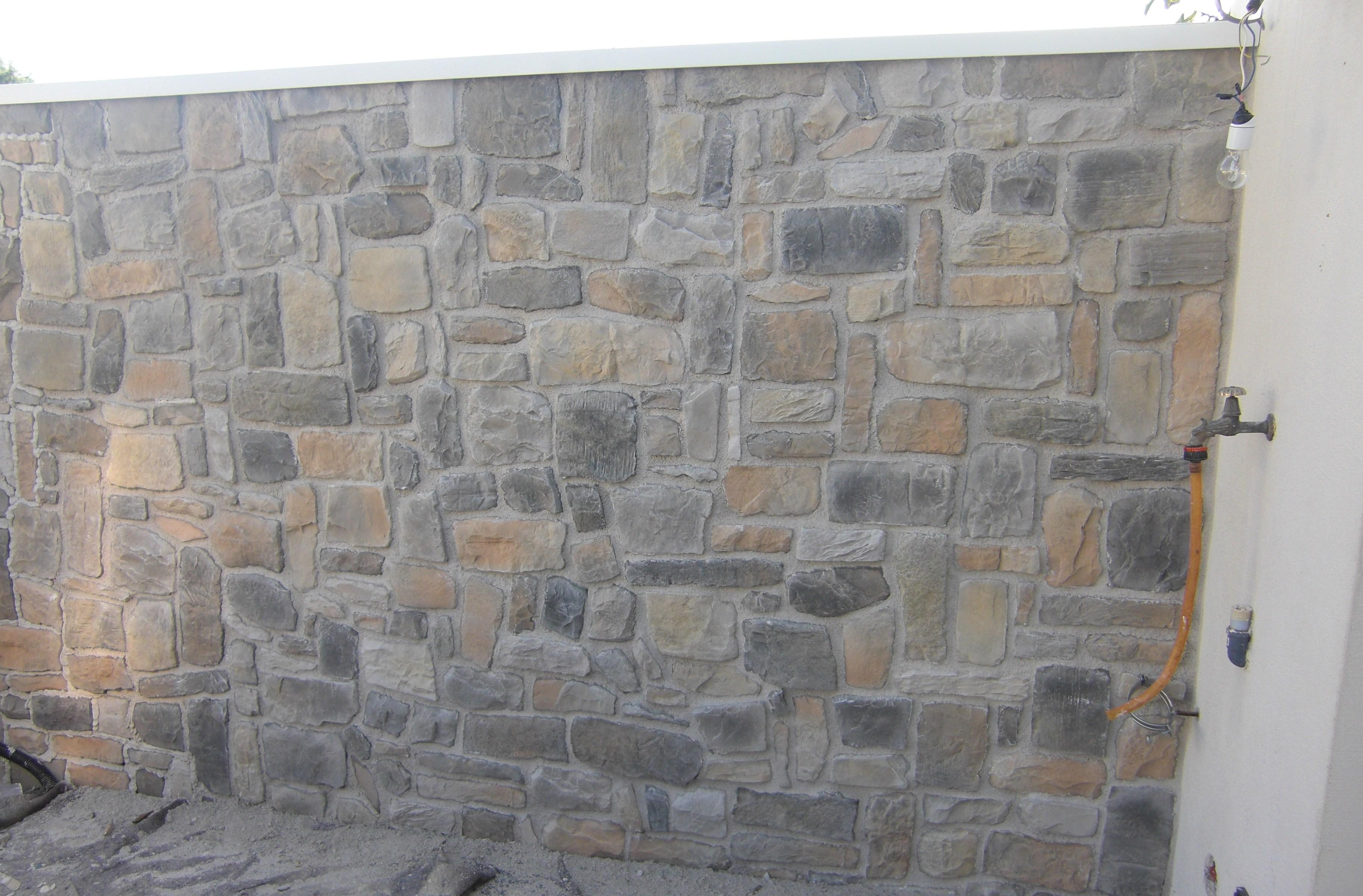 Muri Di Recinzione Pietra.Recinzioni Costruzioni Zanella Impresa Edile Montebelluna