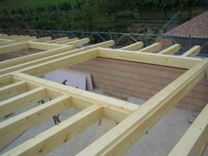 Travi solaio in legno nuova costruzione civile zanella costruzioni edili montebelluna treviso